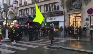 Retraites: tensions à Paris en fin de manifestation