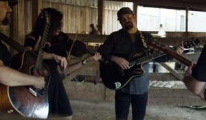 Davisson Brothers Band - Dark as a Dungeon