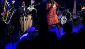 Sharon Jones - 4/13 - Longer and stronger en live sur RTL