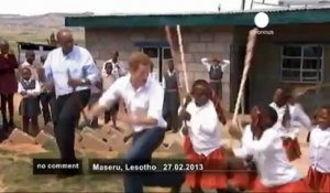 Le prince Harry visite le Lesotho - no comment
