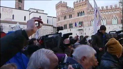 Italie Une Deputee Grilliste S Installe A La Chambre Des Deputes