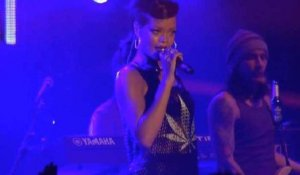 Rihanna Cancels Concert Due to Illness