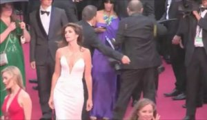 Cannes 2013 : Cindy Crawford sublime sur le tapis rouge