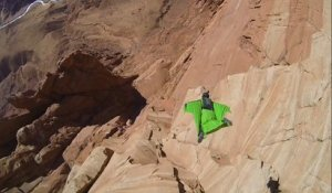 Just Insane ! Wingsuit-Base Jump in Arizona, Scotty-Bob and James Yaru The Flake Run