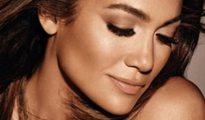 Jennifer Lopez Becomes Best-Selling Author