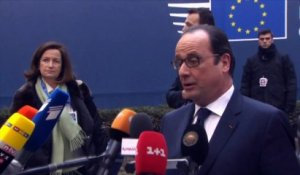 Hollande reste très prudent sur l'accord de Minsk