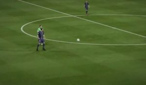 FIFA 15 : un but incroyable de Zlatan Ibrahimovic !