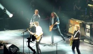 Paul McCartney And Dave Grohl Performed Beatles' Classic 'I Saw Her Standing There' - O2 london 2015