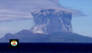 Eruption volcanique impressionnante au japon - Volcan du mont Shindake