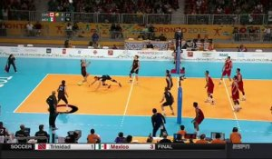 Volley ball - Un sauvetage incroyable... au pied !