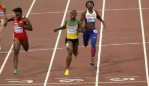Veronica Campbell-Brown change de couloir en pleine course sur le 200m !