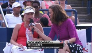 Tennis: Coco Vandeweghe donne une interview en plein match