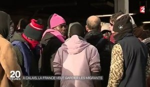 A Calais, les agents de l'Ofpra incitent les migrants à demander l'asile en France