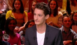 Five, le film de potes de Pierre Niney - Le Petit Journal du 23/03 - CANAL +