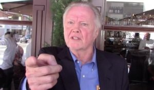 Jon Voight parle du commentaire sur le Second Amendement de Donald Trump