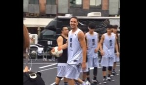 Klay Thompson se ridiculise en Chine