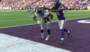 Joe Flacco throws a laser pass to Chris Moore for TD to end game