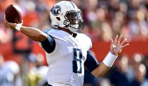 Mariota slings pass over middle to Taywan Taylor for 23 yards