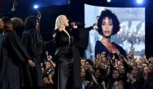 AMAs 2017: Christina Aguilera Delivers Moving Whitney Houston Tribute | Billboard News