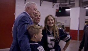 Jerry Jones lends a hand to a family in mourning