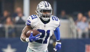 Zeke breaks outside Lions defense for a big gain