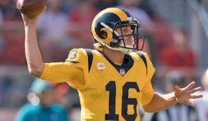 Goff goes DEEP to Woods for 32-yard gain