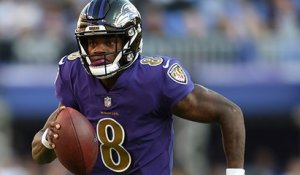 Lamar Jackson seals game with 39-yard keeper down sideline