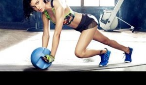 Kangana Ranaut does YOGA and PILATES to look this HOT!