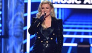 Kelly Clarkson Kicks Off 2019 BBMAs With Medley of Top Hits by Nominees | Billboard News
