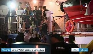 Migrants : le Sea-Watch accoste à Lampedusa