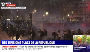 Des affrontements éclatent entre manifestants et forces de l'ordre, place de le République à Paris
