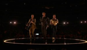 Jonas Brothers - Five More Minutes & What A Man Gotta Do (LIVE) - GRAMMY AWARDS 2020