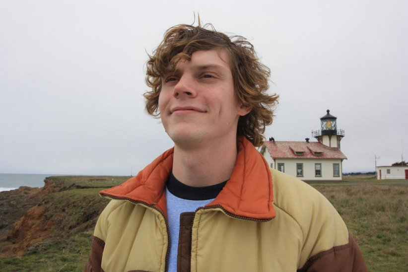 Safelight : Photo Evan Peters