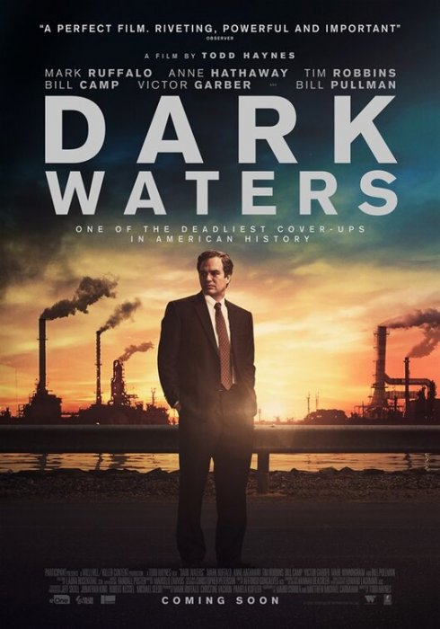 Dark Waters : Affiche