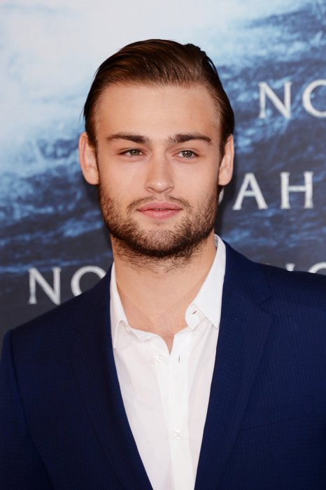 Noé : Photo promotionnelle Douglas Booth