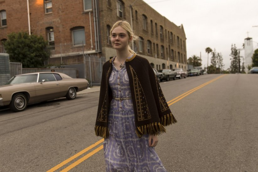 Low Down : Photo Elle Fanning