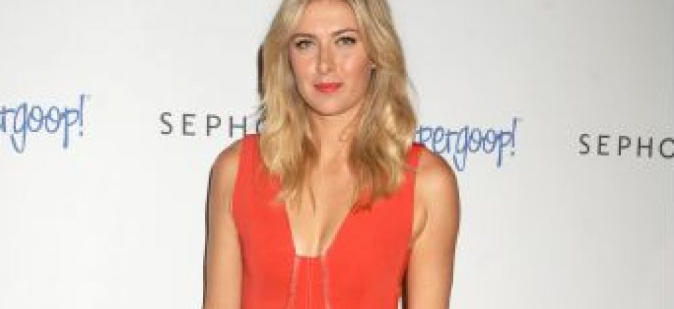 Maria Sharapova et son look orange acidulé
