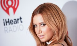 Ashley Tisdale lance une ligne de maquillage
