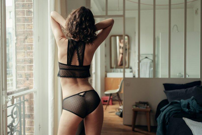 3dfb559b45128 Les sous-vêtements noirs sont les plus populaires.