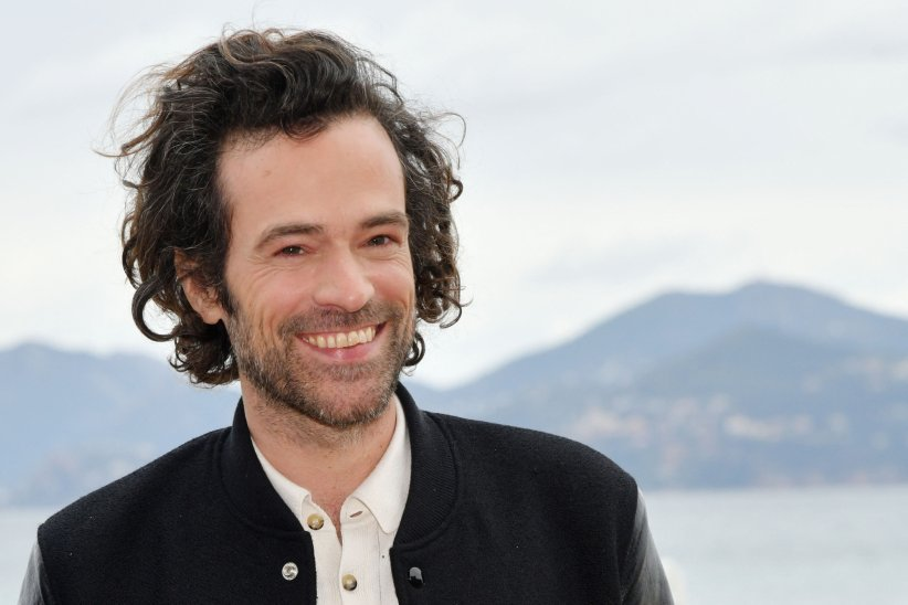 "Romain Duris : look ""saut du lit"""