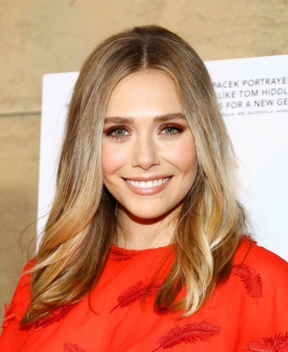 Elizabeth Olsen assiste à la première du film  I Saw the Light in Los Angeles , à Los Angeles le 22 mars 2016.