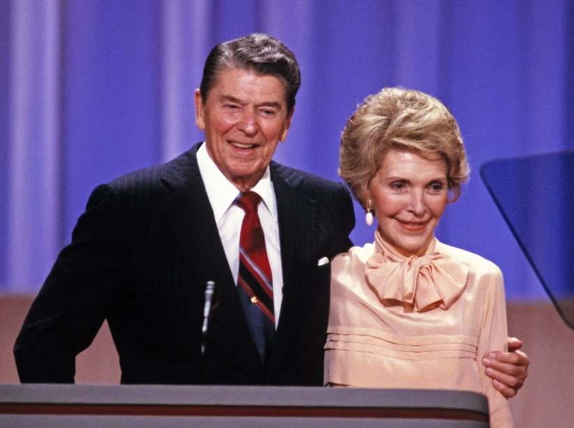 Ronald Reagan et sa femme Nancy Reagan, en marge de la Convention nationale républicaine de 1988 à la Nouvelle-Orléans.