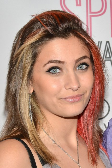 Paris Jackson assiste à la soirée d'ouverture du Deaf West Theatre's 'Spring Awakening' au Wallis Annenberg Center for the Performing Arts, le 28 mai 2015 à Beverly Hills.