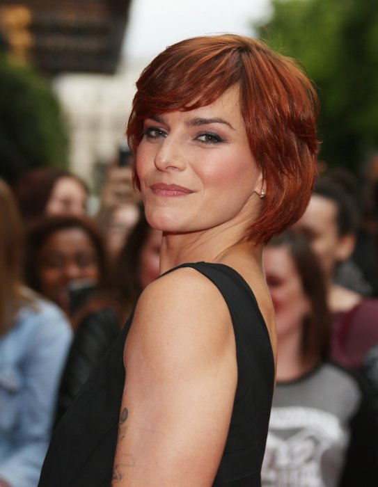 Fauve Hautot assiste à la 7e édition du Global Gift Gala à Paris le 9 mai 2016.