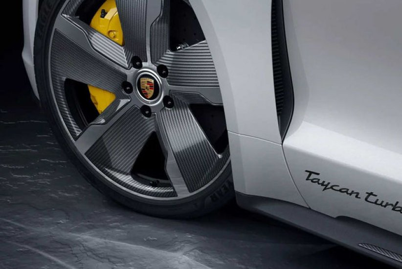 Porsche Taycan : options en carbone