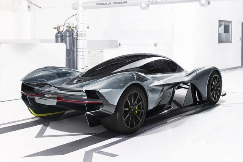 Hypercar Aston Martin AM-RB 001