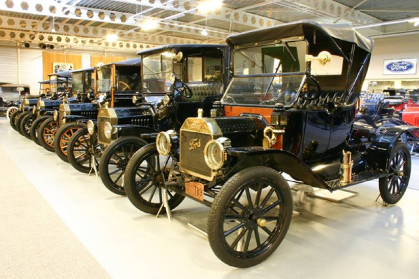 Bonhams : collection Ford du Den Hartogh Museum
