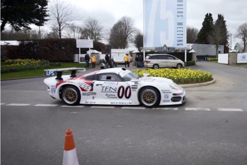 Une rare Porsche 911 GT1 à Goodwood