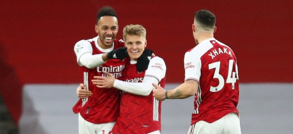 Premier League : Aubameyang voit triple contre Leeds