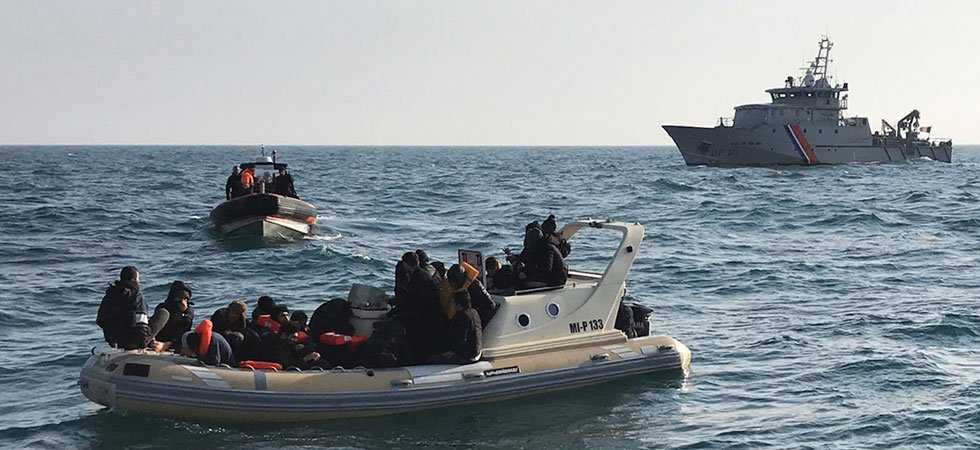 Manche : une trentaine de migrants secourus en mer